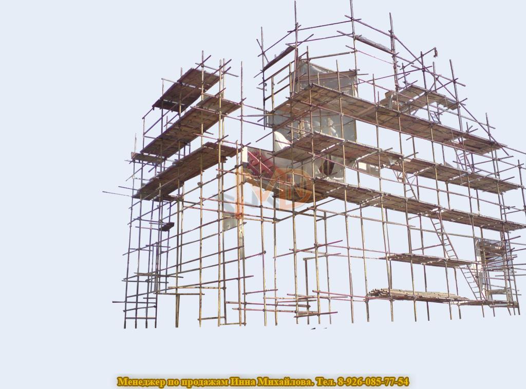 хомутовая конструкция лесов выстроенная вокруг храма для дальнейшей реставрации