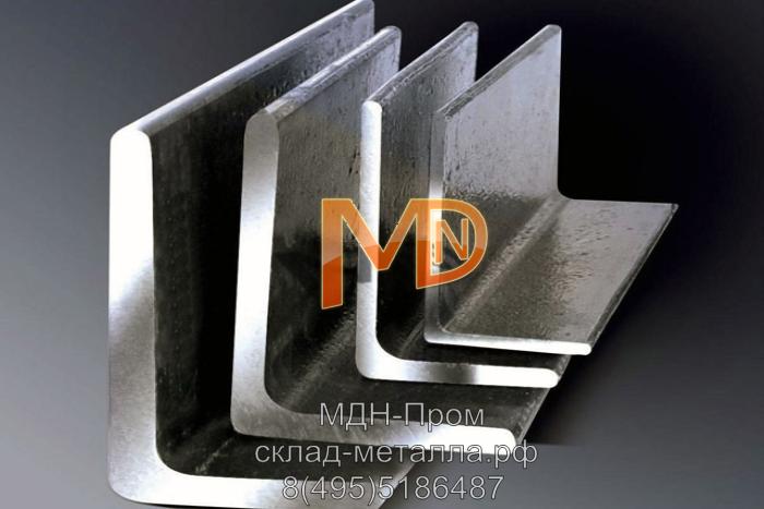 Металлические уголки различного размера